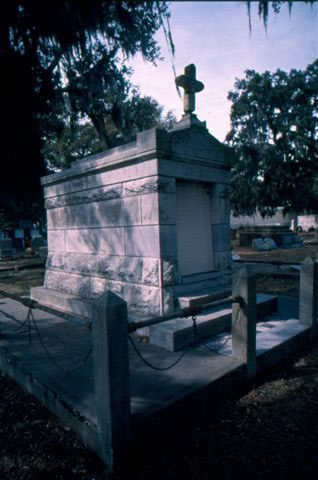 biloxi-cemetery-2-nicole-young_jpg